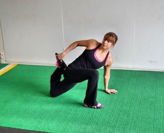 half-kneeling-tfl-stretch