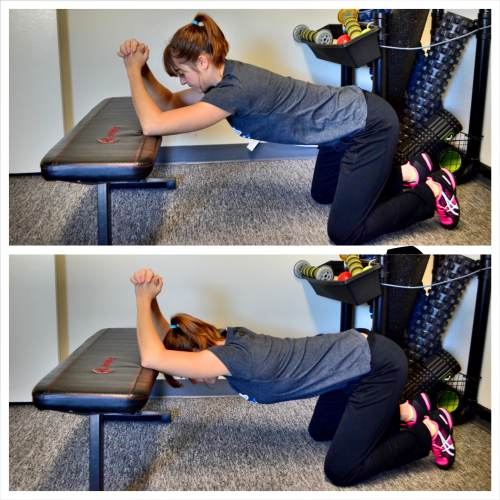 kneeling-lat-and-thoracic-stretch