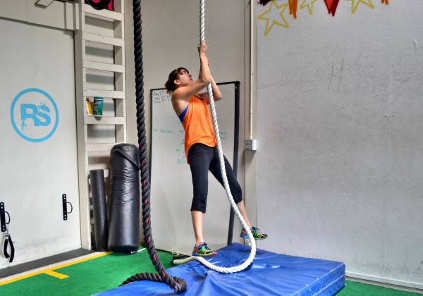 upper-body-only-rope-climb